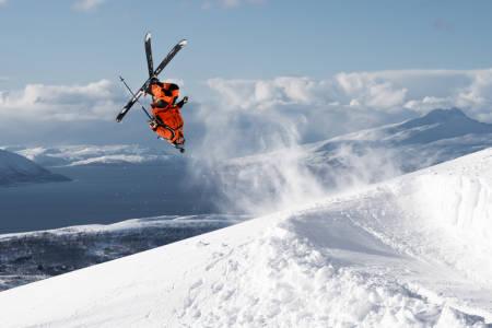 FILMSTJERNE: Hedvig Wessel er backflipspesialist og Norges beste konkurransekjører. Nå blir hun også skifilmstjerne. Hun er blant kjørerne i MSPs nye storfilm som vises på Odeon kino 27 . oktober. Foto: Anders Westergaard