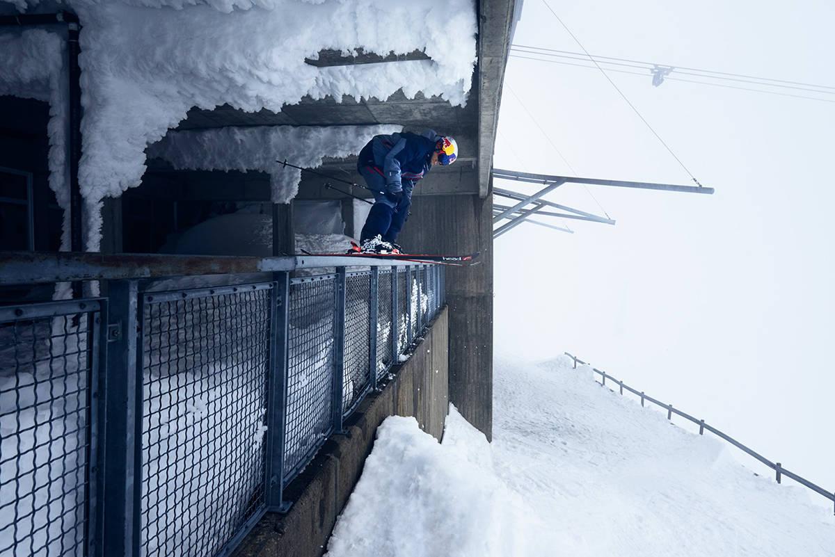 STJERNE: I den nyeste episoden av A Skier Knows møter vi PK Hunder. Foto: Peak Performance