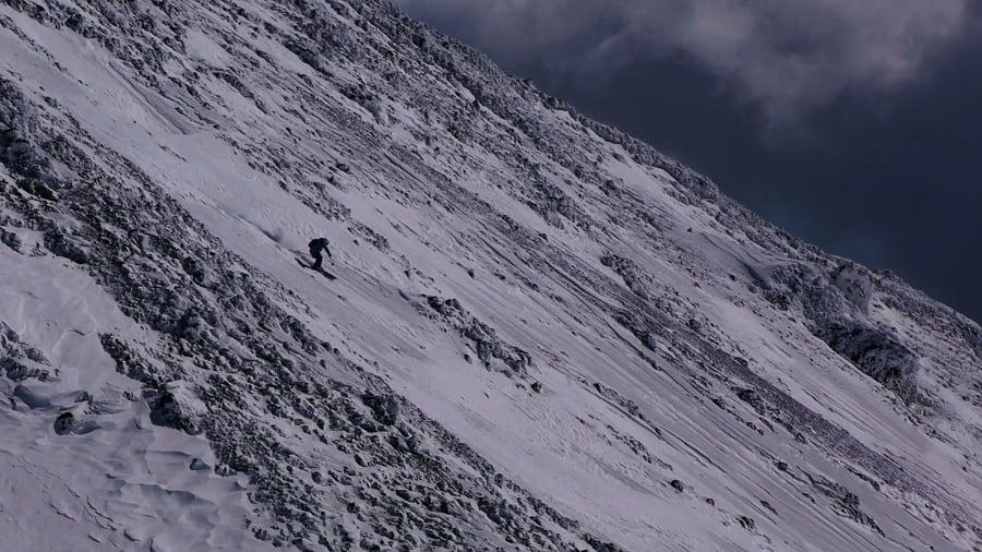 SKIFØRE: Det er ikke pudder, men det er morsom kjøring likevel på vulkanen Etna i Sør-Italia.