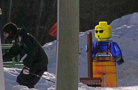 FRYKTER FORVIRRING: Legos PR-avdeling er redd koblinga mellom de danske lekene og Salomons jibbere kan skape forvirring. Derfor krevde de at Salomon fjernet den siste episoden av webserien Salomon Freeski TV.
