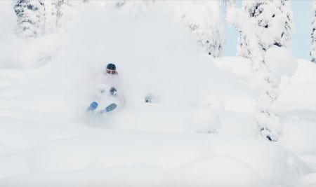 HØSTENS BESTE TV-SERIE: Salomon Freeski TV er tilbake, og klar for å underholde oss mens vi desperat venter på snøen.