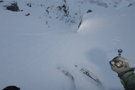BLÅTINDEN: Nikolai Schirmer har kjørt renna på Blåtinden. Foto: Skjermdump