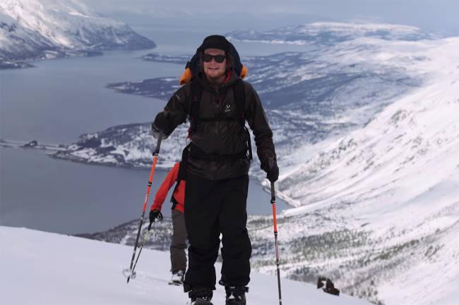 Se verdensmester Antti Autti på splitboard i Tamokdalen