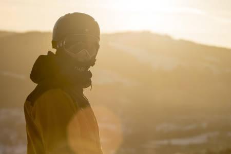 EVENTYRREISE: På et år gikk Eirik Sæterøy fra å være skoleelev til X Games-sølv og plass på landslaget. Foto: Luke Allen/Nor Freeski