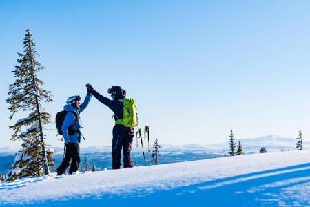 SKIKOMPISER MED MER: Ikke mange ektepar får kjørt så mye og så bra på ski som Heidi og Robert Pallin Aaring.  Bilde: Emrik Jansson