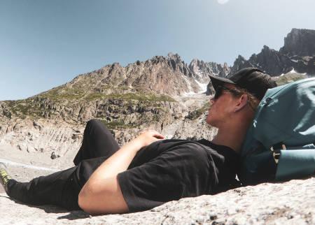 PÅ SPONSORFERIE: Stinius i et rolig øyeblikk på Chamonix-tur med Arc´teryx.