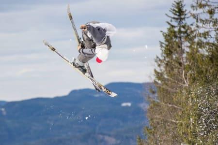 MAGS SPESIAL: Ingen i hele verden gjør så fine seatbelt-grabs som Magnus Nørsteng. Men han gjør det mest om vinteren da.
