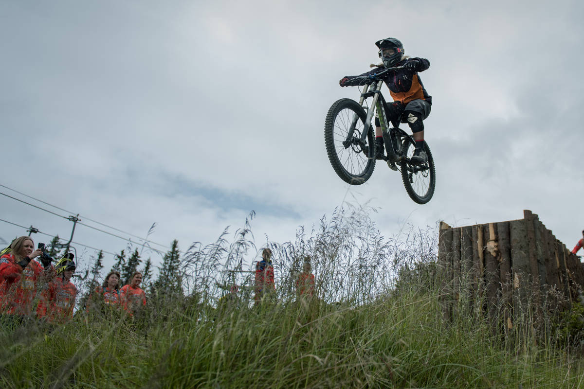 DRAPÅDAME: Linn Cecilie er ikke redd for å dra på, verken med sykkel eller ski. Foto: Gizmo Johnsen