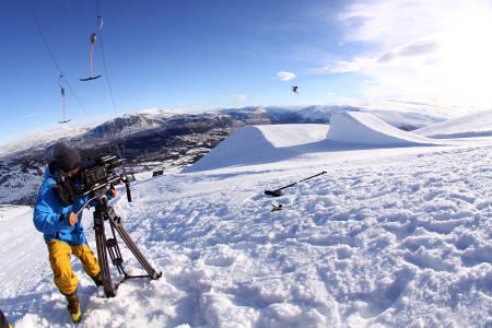 ESPEN X 2: Espen fikk prøvd seg foran kameraet til Field Productions og Espen Kristiansen i vinter. Foto: Tore Meirik