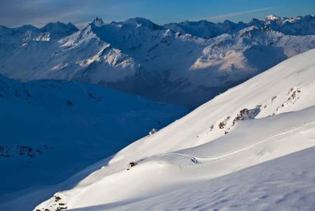 STORE OMGIVELSER: Både skiføre, skiterreng og vær klaffer på dette bildet fra Grimentz. Foto: Damian Cromwell