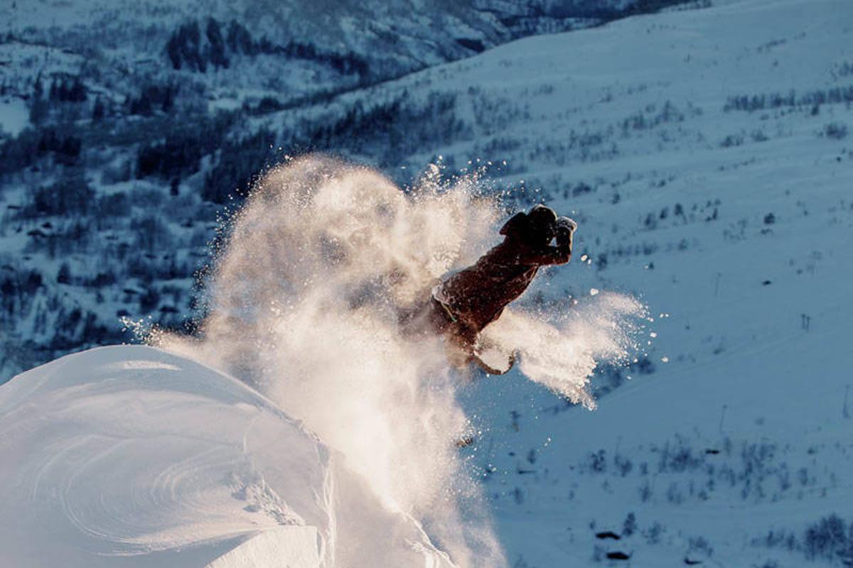 Eikedalen snowboard freeride ski alpint guide fri flyt powder pudder