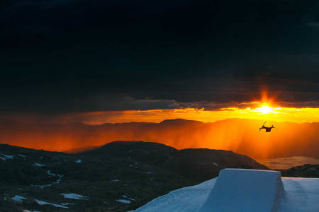 Folgefonna fonna glacier jibbe park ski snowboard