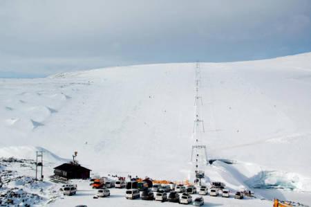 NYSNØ TIL HELGA? Kanskje det blir hvitt og masse nysnø til helga på Juvass. De krysser fingra for å åpne lørdag 2.oktober. Foto: Galdhøpiggen sommerskisenter