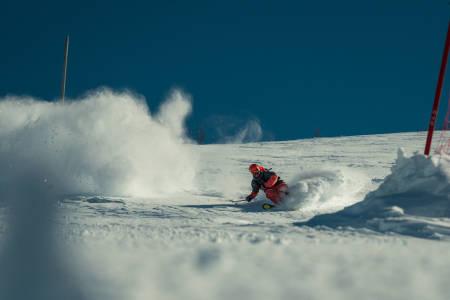 HAUKELIFJELL PUDDER: Vi kan kalle dette bildet for: Dennis kjører pudder på Haukelifjell. Bilde: Christian Nerdrum