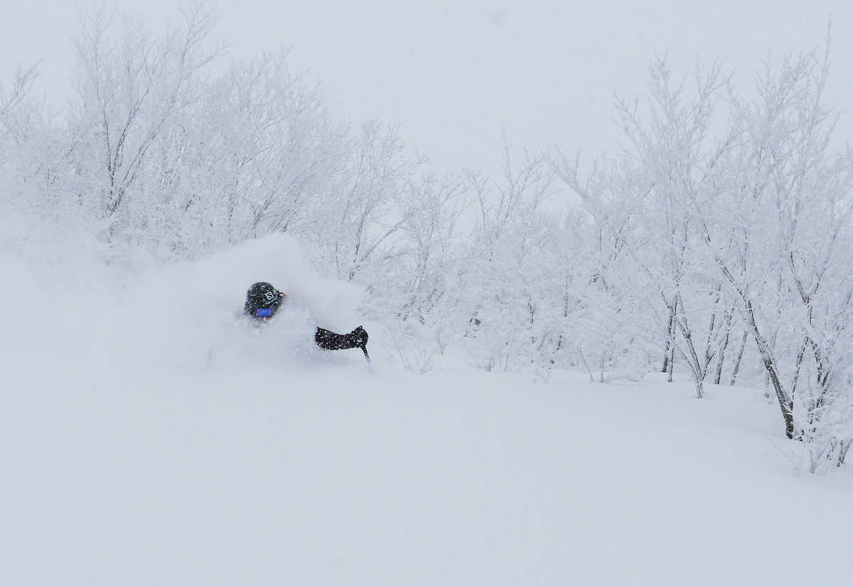 JULEFERIE: Robert Aaring viser hvorfor han dro til Japan i romjula. Foto: Heidi Pallin Aaring