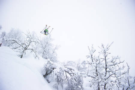 AVHENGIG AV VIND: Skal du finne Norges beste offpiste må du passe på vindretningen. Her får du innsidetipsene! Foto: Vegard Breie