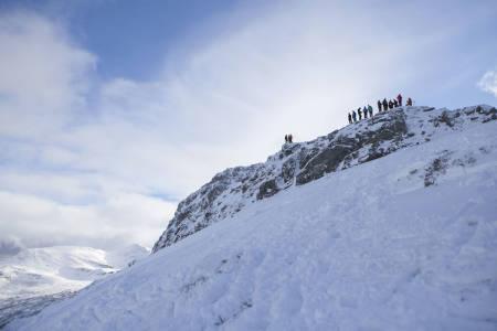 ski alpint snowboard splitboard topper tinderangling sogn randonee bok guide tips fri flyt topptur sunnmøre stranda strandafjellet pudder freeride frikjøring