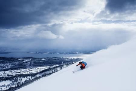 Molde tusten skiheiser vestlandet årø frikjøring Tuv alpint snowboard fri flyt guide snowboard ski freeride