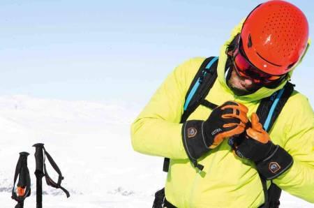 skihansker jakke spenne på ryggsekk