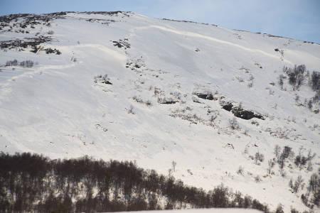 STORE SKRED: To dynamittladninger måtte til for å sprenge ut skredene i Hovden i Oppdal fredag. Foto: Tore Meirik