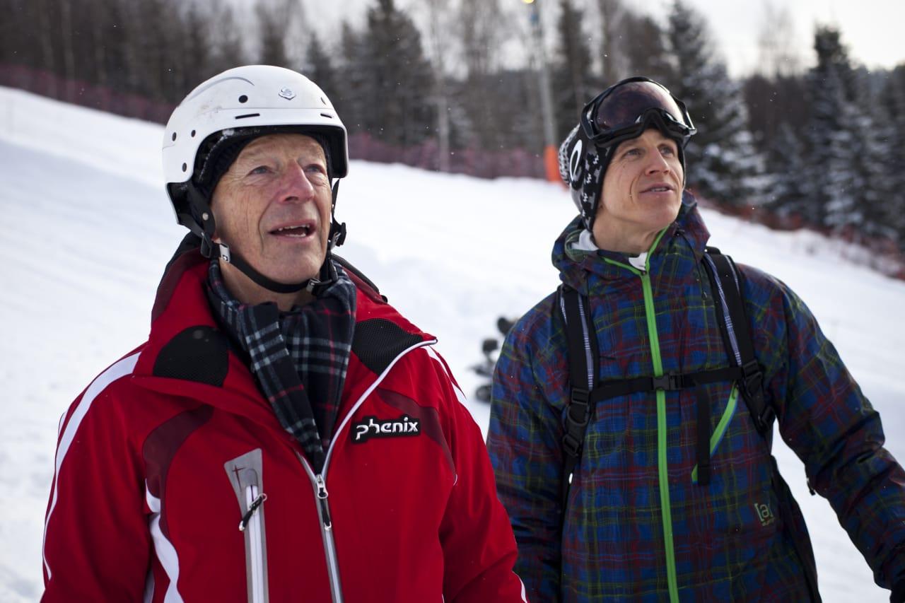 DIALOG: IOC-medlem Gerhard Heiberg sier de er åpne for dialog, men at hovedansvaret ligger hos FIS. Her sammen med Terje Håkonsen i Tryvann. Foto: Olav Stubberud.