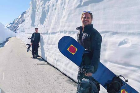Christian Aass snowboard