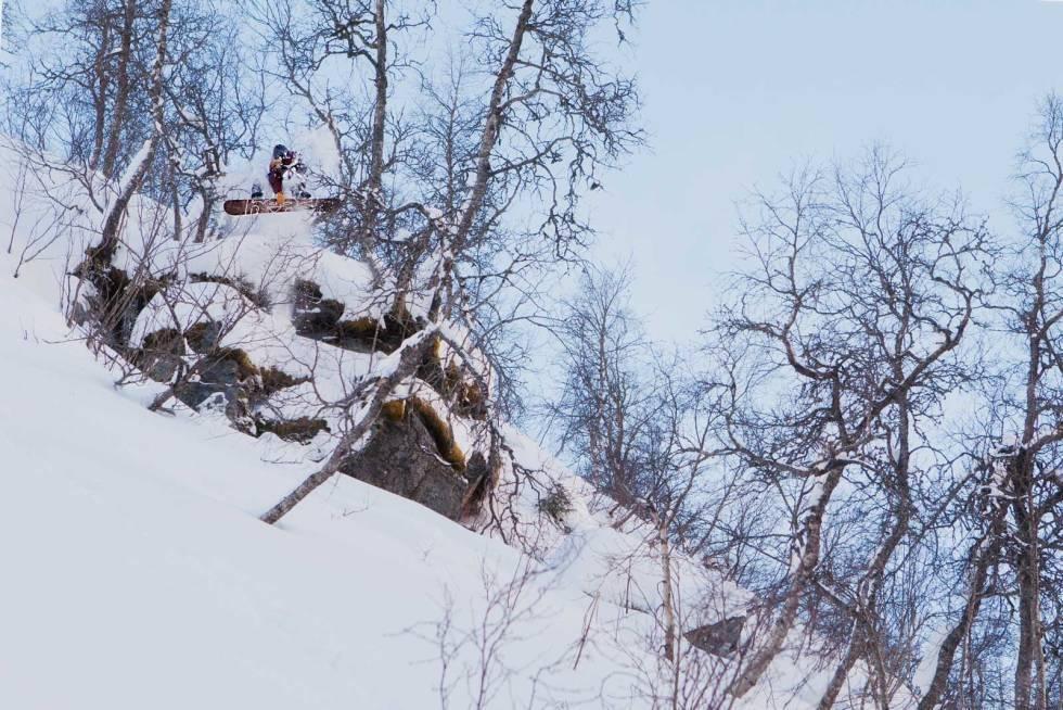 GRAB: Fredrik Evensen med en indy i desember-snøen i Myrkdalen. Foto: Preben Stene Larsen