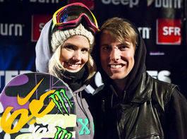 IMPONERER: Silje Norendal blir gratulert av kjæresten Jossi Wells. Foto: Sveinung Svendsen