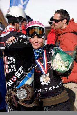 Helene er blitt godt vant med medaljer om halsen. Arkivbilde fra tidligere konkurranse.