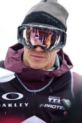 SIKLER PÅ 10 METER'N: Terje Håkonsen vil prøve å sette ny verdensrekord i quarterpipen under VM. Foto: CCN.
