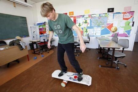 Sjoerd Kok er lærer på den private barneskolen i Klitmøller, driver eget webfirma og elsker havet.  Foto: Caroline Omlid