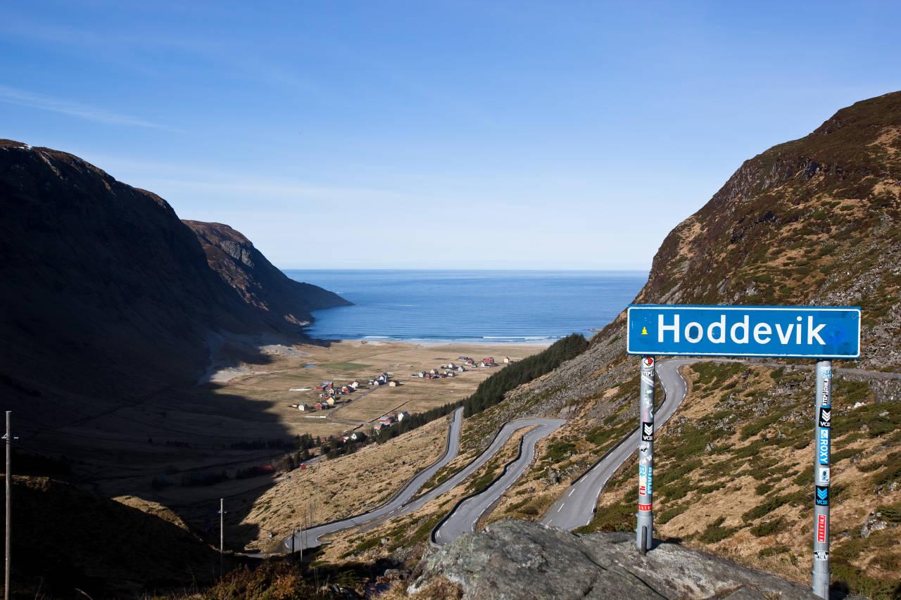 STADLANDET: Advarsel til de som aldri har vært her før: Hoddevik er et av landets absolutt flotteste og mest sjarmerende plasser. Bilde: Christian Nerdrum