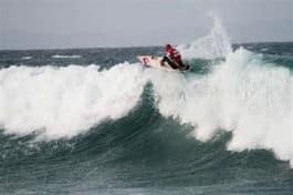 Ustoppelige Kelly Slater vant igjen på Jeffrey Bay i Sør Afrika.