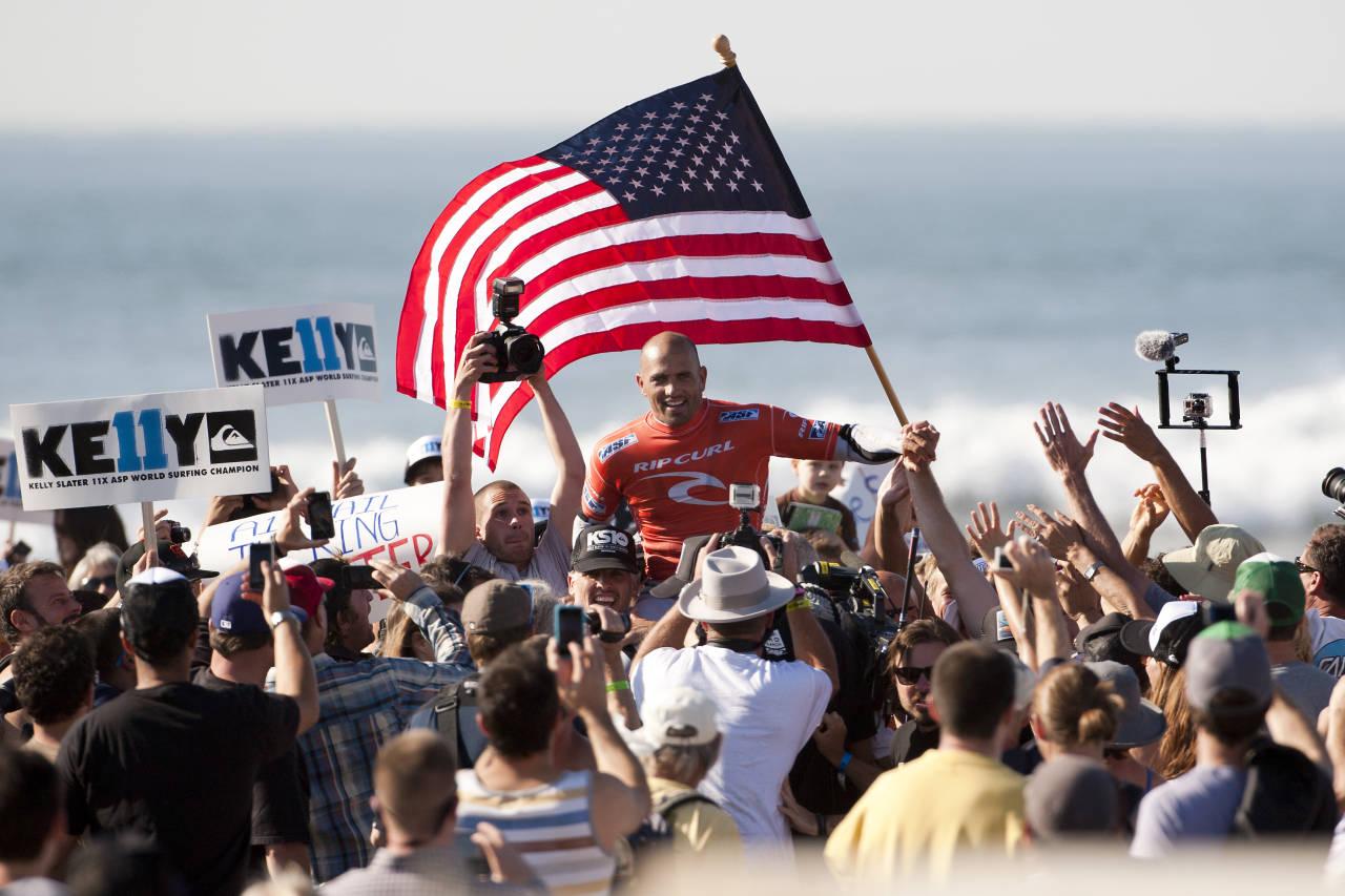 KAMPANJEN GODT I GANG: Det lå allerede i kortene. Slaters 11. verdensmestertittel ble sikret på Ocean Beach i San Fransisco.