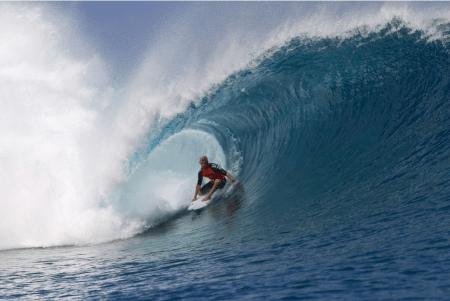 NU ER HAN I FORM: Ingen tvil om hvem som var i best form under Billabong Pro på Tahiti. Bilde: ASP-Kirstin