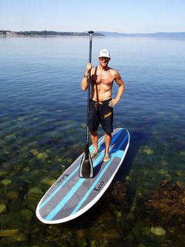 TRENDSETTEREN: Elling Balhald er bitt av SUP-basillen. På Surfefestivalen kan du også bli smittet.
