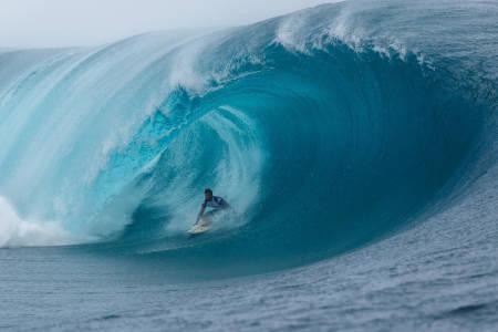 TAHITI: Surfingen under OL i 2024 kan foregå på Tahiti. Foto: WSL
