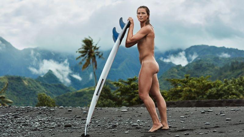 KASTER KLÆR: Courtney Conlogue kler seg naken i det nyeste ESPN-magasinet. Foto: Steve Lippman / ESPN
