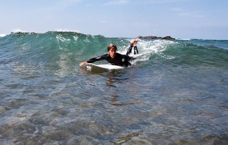 PEDAGOG: Linus Eliasson lærer deg noen surfeknep i denne artikkelen. Foto: Christian Nerdrum