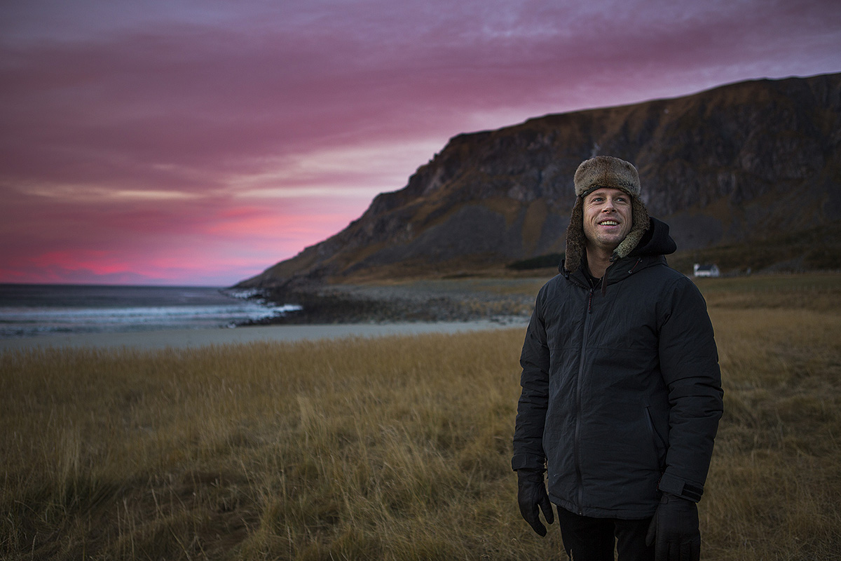 STOKA: Det ble et minne for livet. Mick Fanning opplevde norsk natur på sitt aller heftigste. Foto: Mats Grimsæth (Videoklipp: Petter Foshaug)