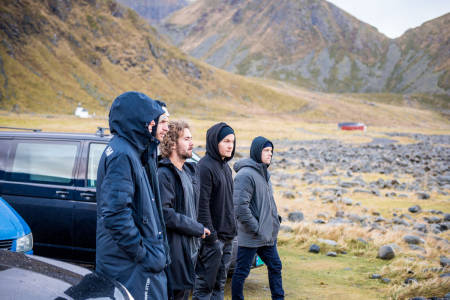 Ivrig crew i Lofoten. Foto: Trevor Moran