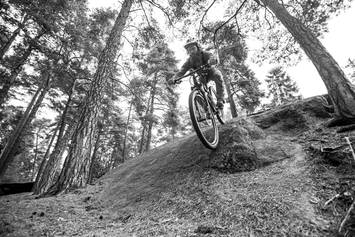 BRATT LÆRINGSKURVE: Aslak Mørstad er programleder i terrengsykkel.no sine opplæringsvideoer om ja, nettopp: terrengsykling. Bilde: Christian Nerdrum