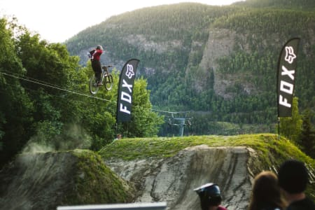 Mikkel Jemtegaard er bare 14 og allerede en veldig habil syklist.