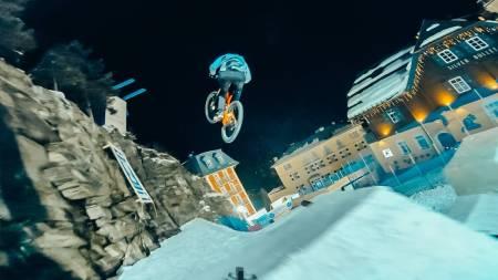 Fabio Wibmer tar over Red Bull Playstreets. Foto: Skjermdump