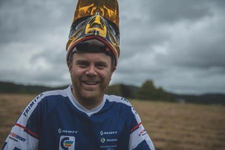 GUDFAR: Øyvind Østvedt har vært med å lage til sykling i Tveit skisenter siden 2002.