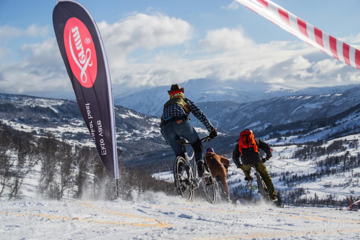 Sykkelutforkonkurransen er blitt en klassiker på Fjellsportfestivalen i Sogndal, og en favoritt blant både deltakere og publikum. Foto: Fjellsportfestivalen