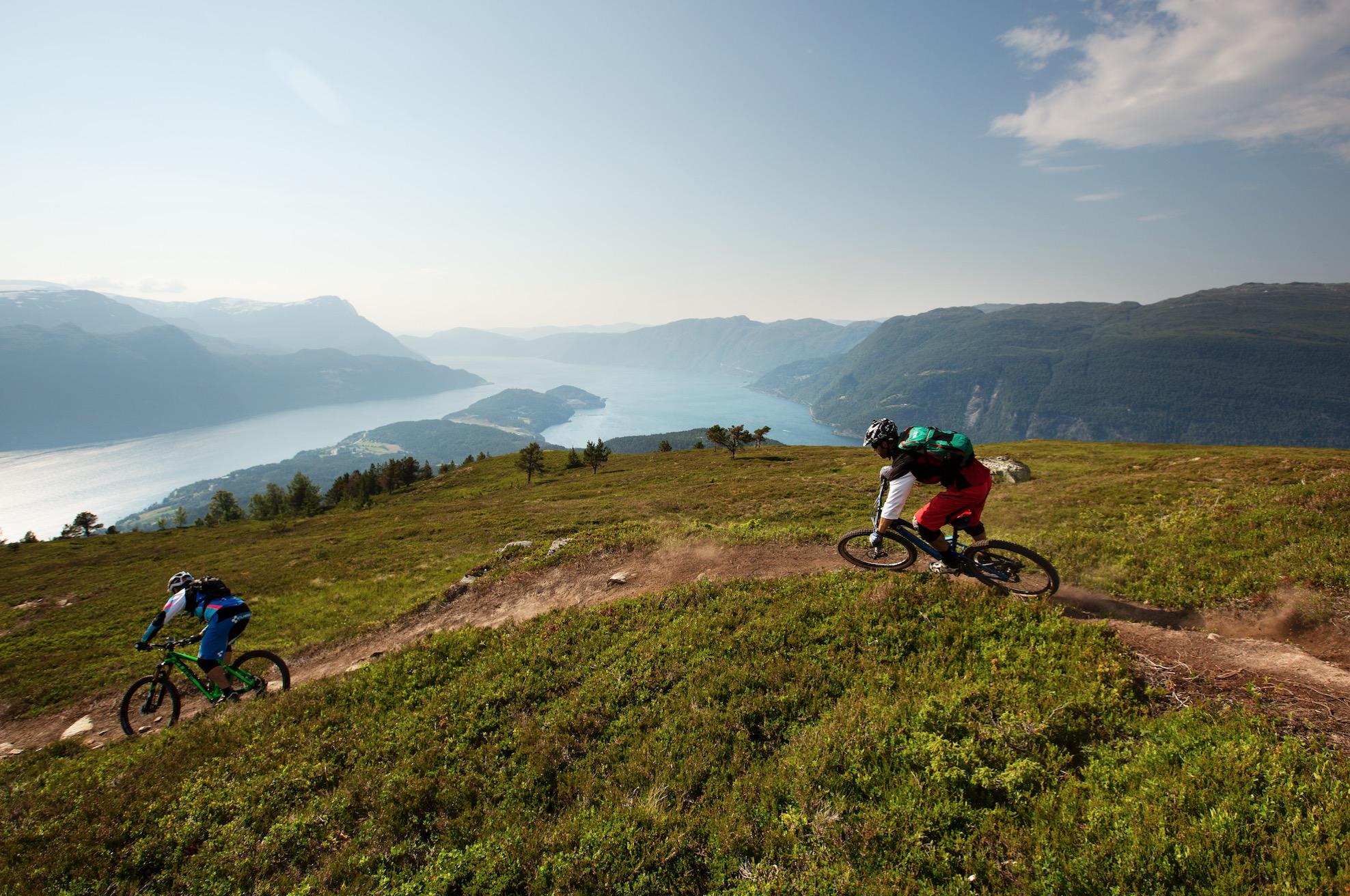 Nordfjord i tre akter
