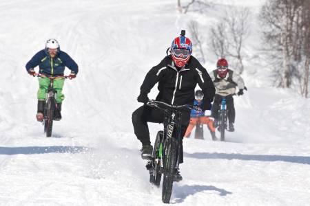 Ruben Røbekk mot mål på sykkelutfor under Fjellsportfestivalen. Foto: Elise Hetty Engedal