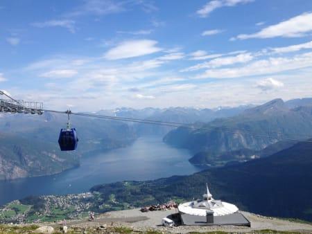 ROALDEN: I framtiden kan det bli laget sykkelløype fra toppen av gondolen på Roaldsida og helt ned til fjorden.