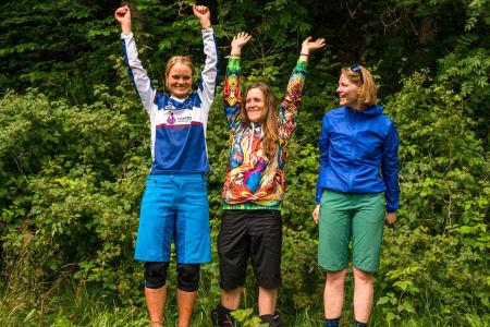 Pallen damer, 1. plass Vera Leivsdottir, 2. plass Hilde Straedet, 3. plass Eline Moen. Foto: Mads Oliver.